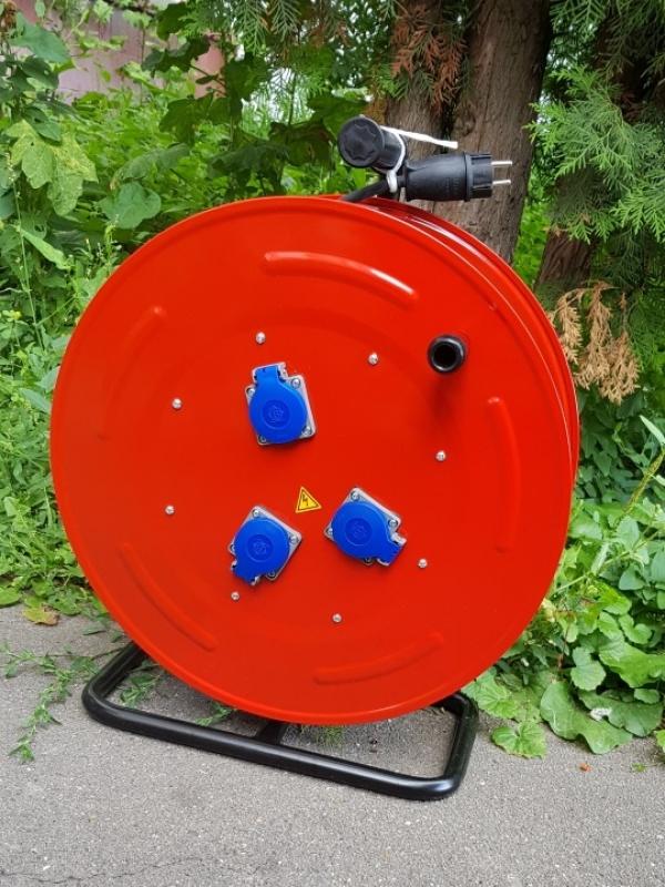 BM5 Удлинитель на катушке электрический 3 розетки IP44 220В 16А 70м - 110м